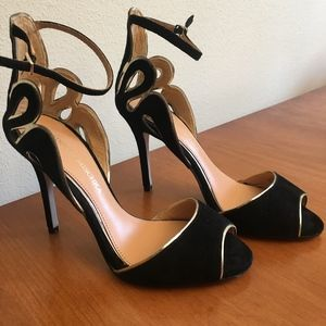 Size 6 US Badgely Mischka Heels with Ankle Strap